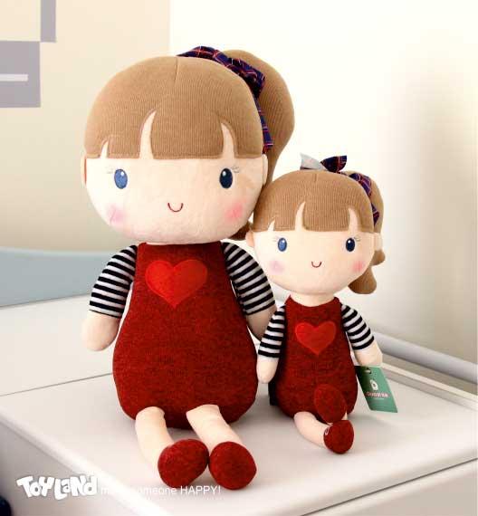 عروسک دختر میتو