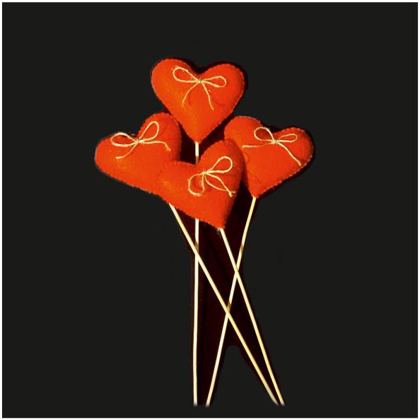 قلب قرمز رنگ نمدی دستک دار